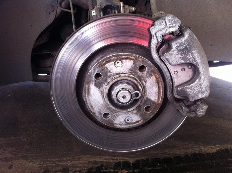 Comment changer les plaquettes de frein sur Citroën C4