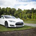 La location d'une Tesla en Suisse, c'est tout à fait possible